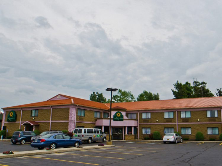 Hotels Near Buffalo Airport With Shuttle And Parking